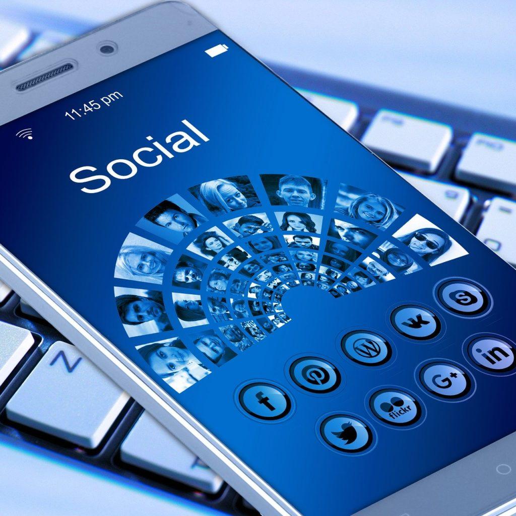 como usar as redes sociais para divulgação