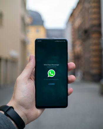 Como baixar o WhatsApp sem Play Store?