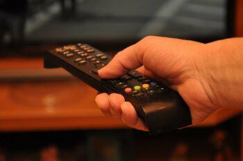 Quantas horas por semana você ocupa seu tempo assistindo a televisão?